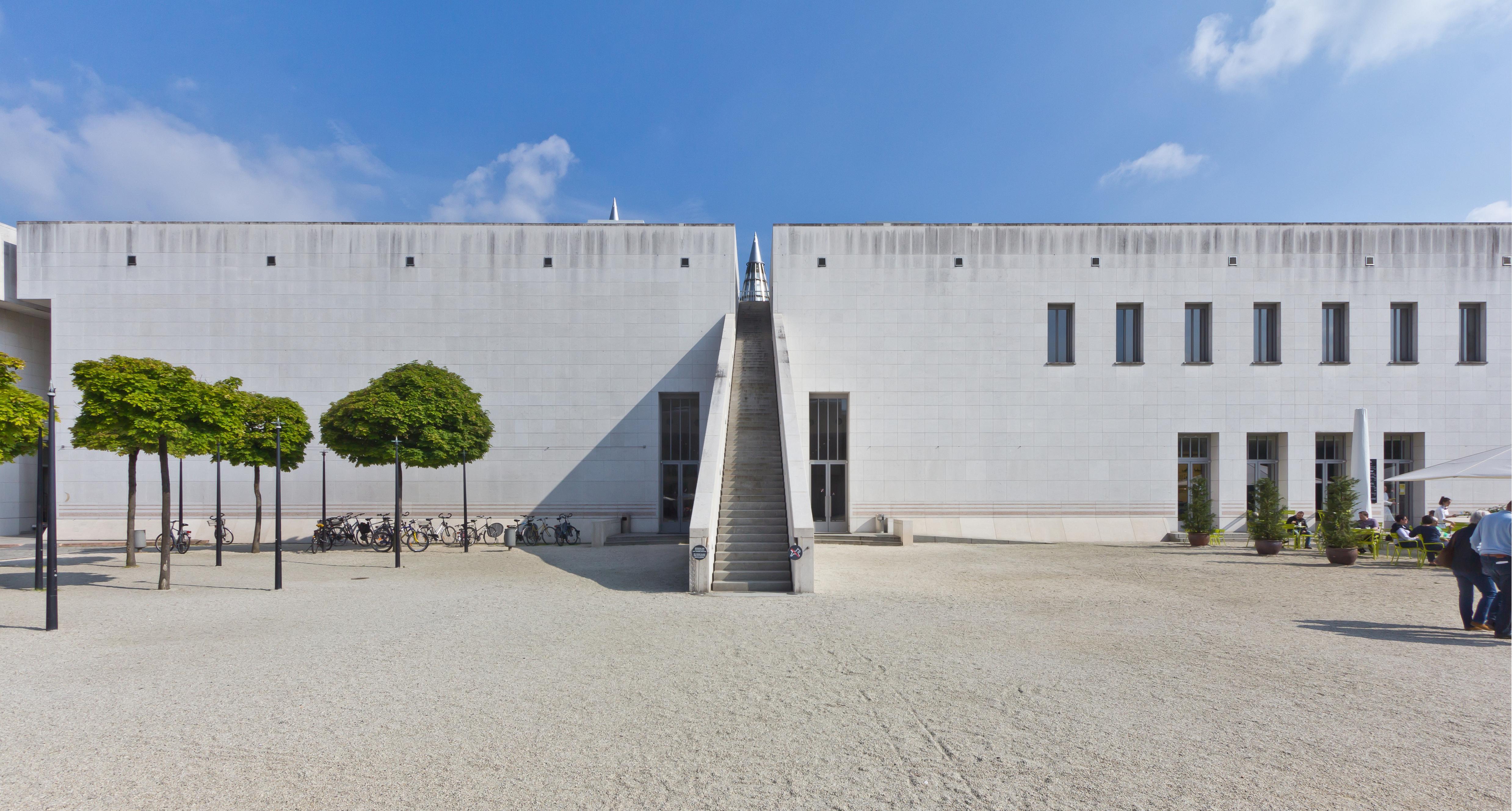 Kunst- und Ausstellungshalle
