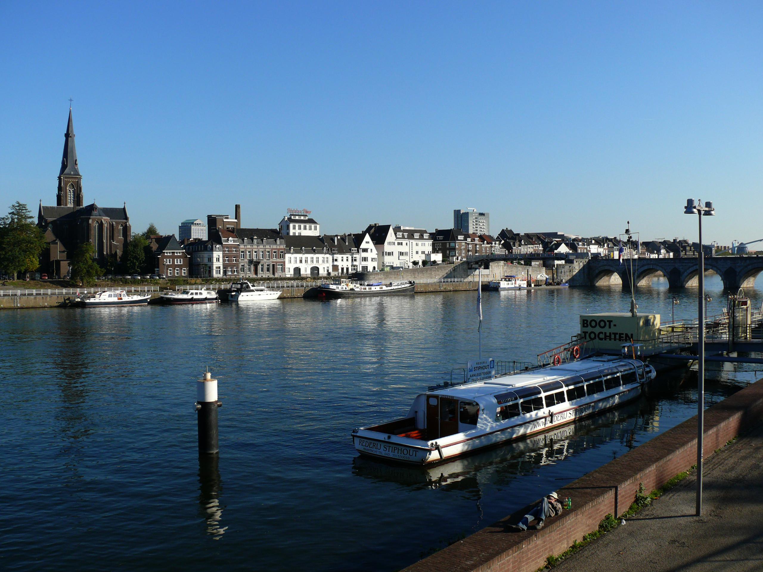 Servaas bridge over The Meuse