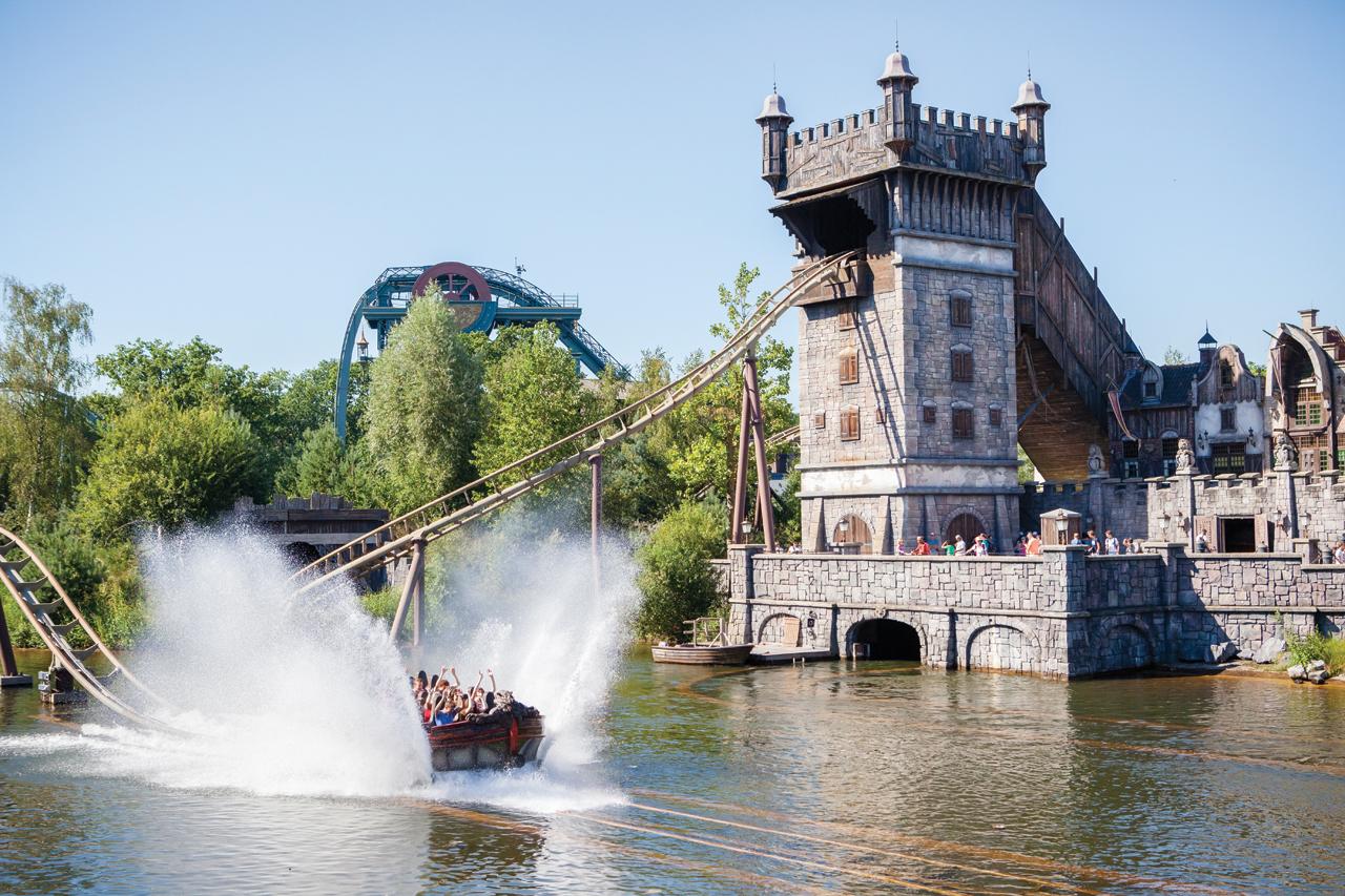 efteling-de-vliegende-hollander-water-coaster-670624